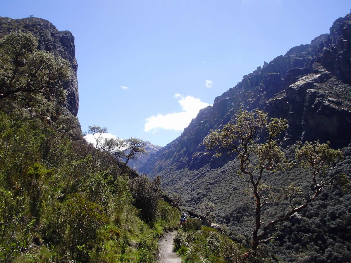 ishinca mountain expeditions