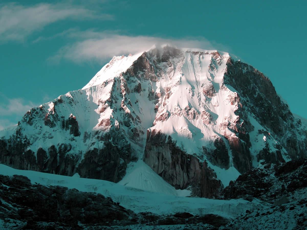 ranrapalca mountain climbing